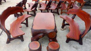 Bàn ghế xi măng giả gỗ