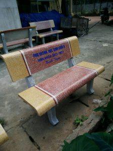 Giá bàn ghế đá bao nhiêu tiền ?