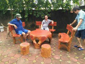 Cách bảo quản bàn ghế đá giả gỗ