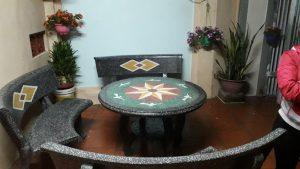bàn ghế đá granito tròn