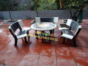 bàn ghế đá cong màu trắng ghi