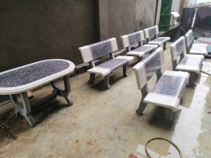 bộ bàn ghế đá màu trắng ghi