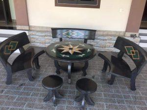 bàn ghế đá đen tuyền