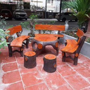 bàn ghế đá giả gỗ f5