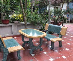 bàn ghế đá vàng xanh thẳng